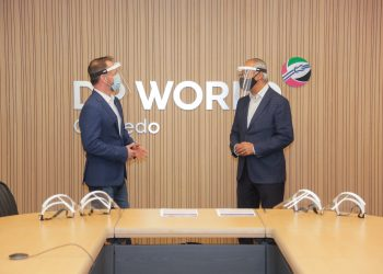 Morten Johansen, CEO DP World Caucedo, y Eddy Martínez, presidente del Parque Cibernético.