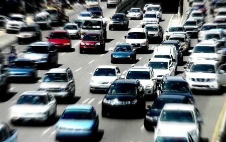 El parque vehicular dominicano recibió más de 180,000 nuevas unidades en 2015./elDinero