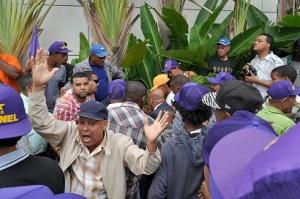 En la actividad hubo tumultos y empujones e intolerancia.