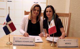 Michelle Cohen, presidenta de la La Comisión Nacional de Defensa de la Competencia de la República Dominicana, y Alejandra Palacios, de  la Comisión Federal de Competencia Económica, de México.