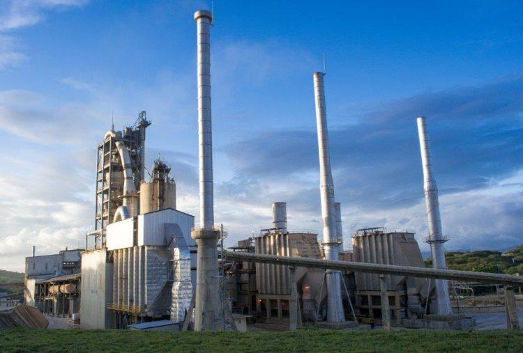 La industria cementera dominicana cuenta con una capacidad de producción que alcanza los 8 millones de toneladas.