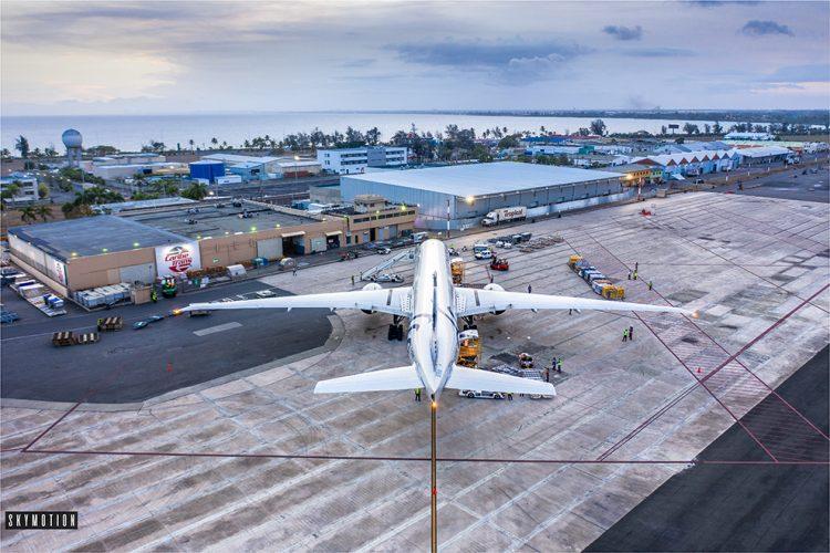 En mayo, el país registró un flujo de pasajeros de 12,785, cifra que representa alrededor de 4,000 visitantes adicionales.   Foto cortesía de  Skymotion Aerial Footage