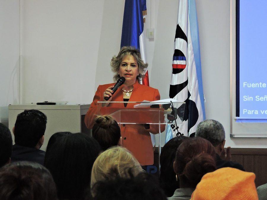 alexandra izquierdo, directora nacional de la one
