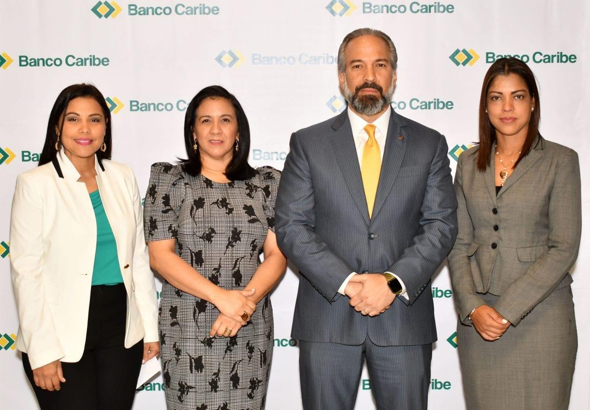 banco caribe isleyda peña, marlenny contreras, dennis simó y julissa heredia.