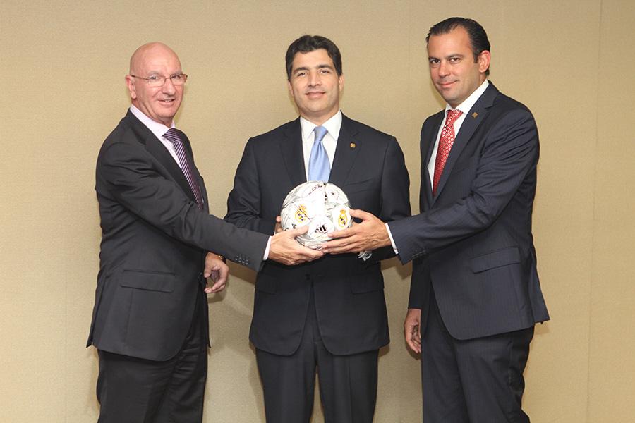 El Grupo Popular es la primera institución financiera en apoyar esta escuela deportiva.