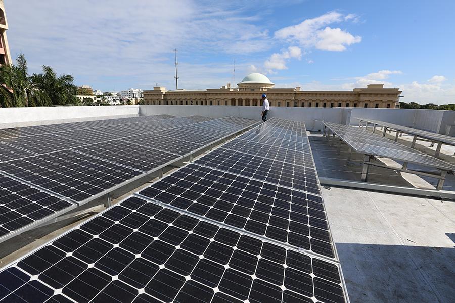 El Banco Popular ha impulsado el ahorro de energía en sus oficinas./elDinero.