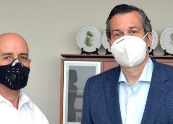 Gerónimo Abreu, encargado del Programa Nacional de Manejo del Fuego, y Orlando Jorge Mera, ministro de de Medio Ambiente.