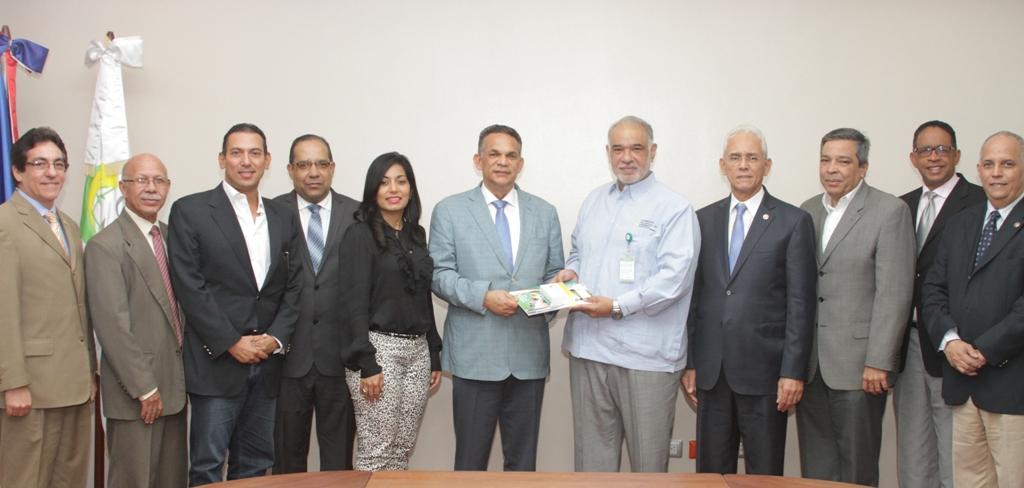 Al acto de entrega de la Carta Compromiso al Ciudadano asistieron funcionarios y técnicos del sector eléctrico./elDinero