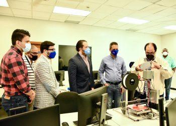 Carlos Pérez Tejada, Arturo López Valerio, Orlando Jorge Villegas, Omar Mendez y académicos del ITLA