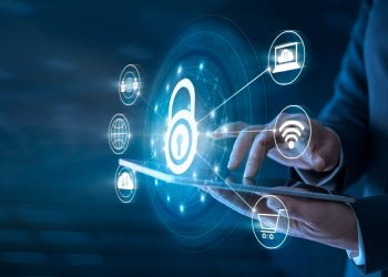 Para Víctor Esquivel, se debe lograr un balance entre la protección de datos  y la agilidad con la que se debe contar para facilitar los procesos en línea. | Getty Images.