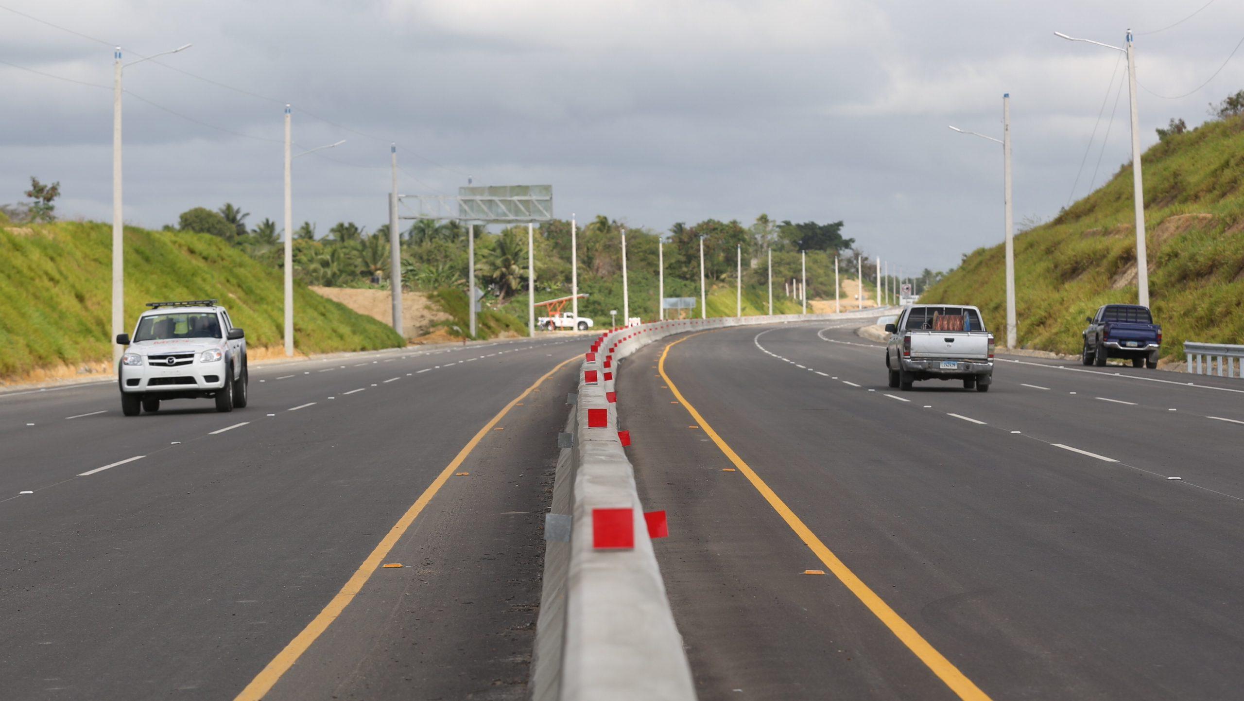 La obra de circunvalación de Santo Domingo fue inaugurada recientemente por el presidente Danilo Medina./elDinero