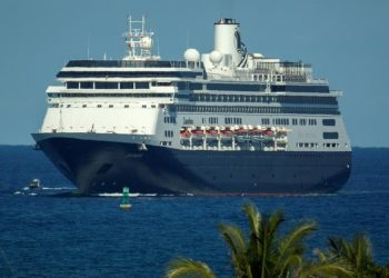 ctor de los cruceros mantiene 1.2 millones de puestos de trabajo y genera anualmente US$150,000 millones a la economía global. | Cristóbal Herrera, EFE.