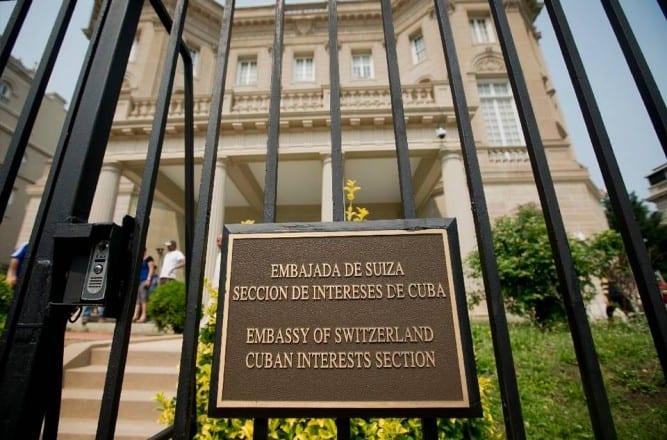 El edificio estuvo bajo la responsabilidad, primero, de Checoslovaquia y luego de Suiza.
