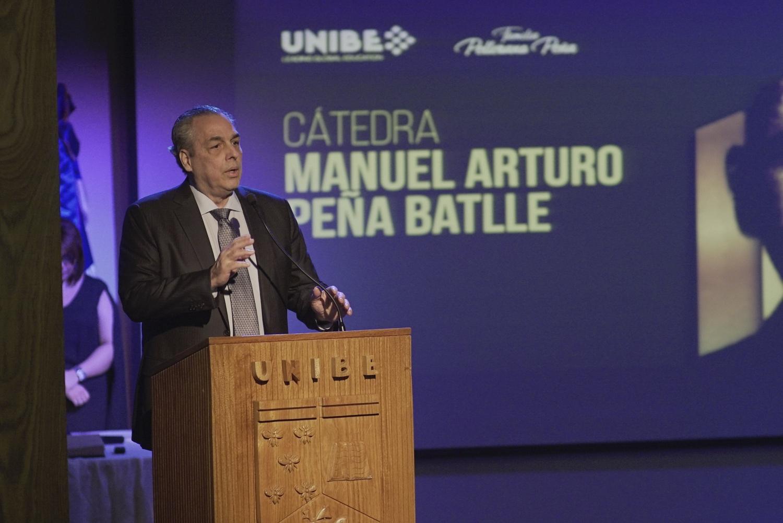 Celebran inicio de cátedra Manuel Arturo Peña Battle