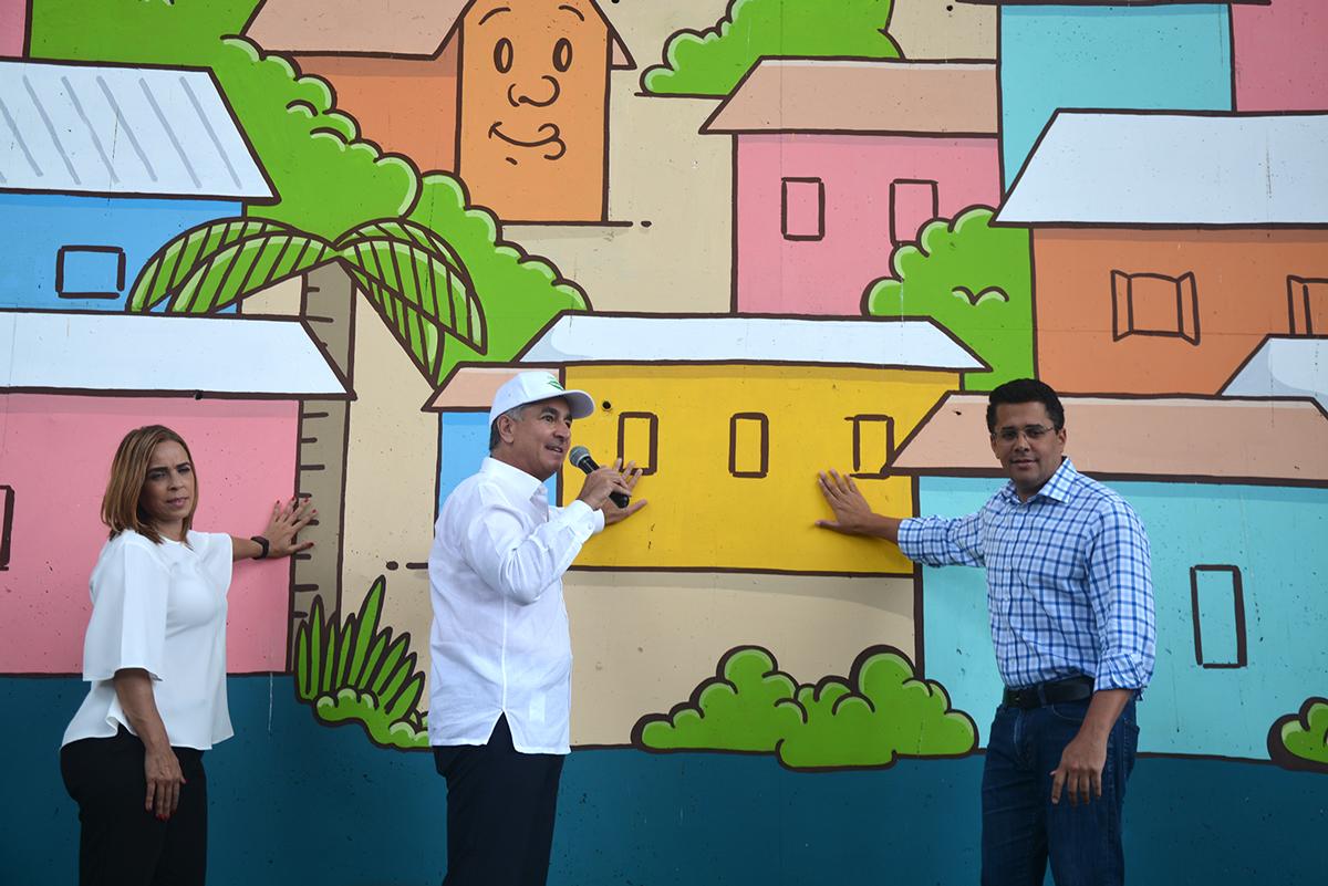 La Fundación Tropigas y el Ayuntamiento del Distrito Nacional inauguran mural en el sector La Ciénaga. | Lésther Alvarez
