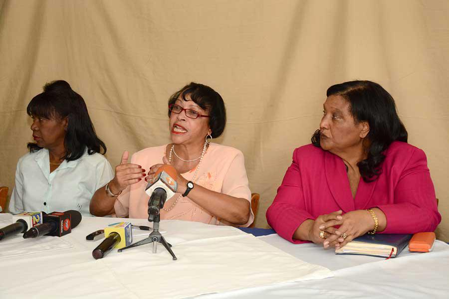 Altagracia Arias, Maritza Chireno; Pta. de Fetralcos  y Rafaela Figuereo.  Federación de Trabajadores Latinoamericano / LÉSTHER ÁLVAREZ