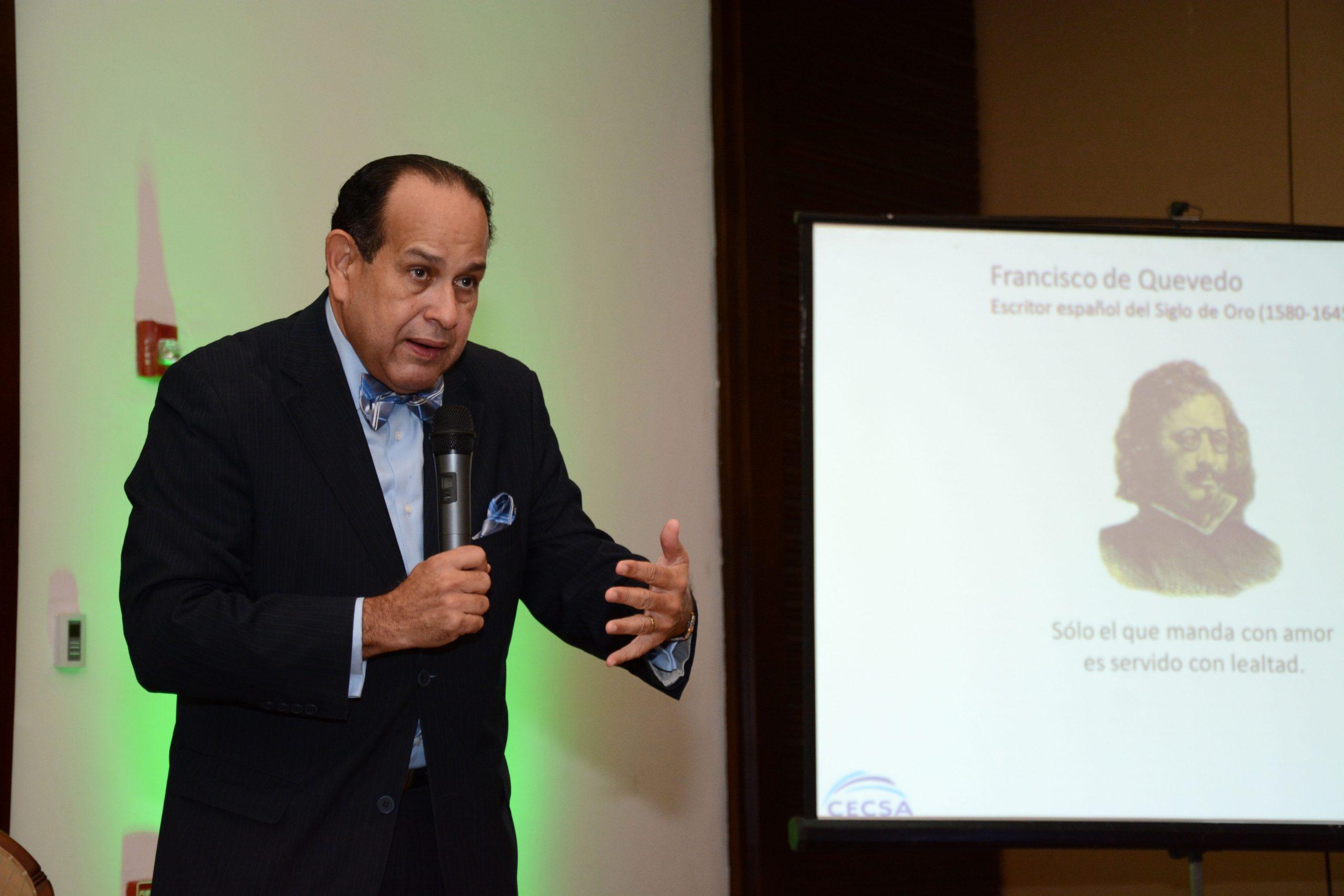 Salvador Espinal, experto en sicología organizacional. Foto: LÉSTHER ÁLVAREZ