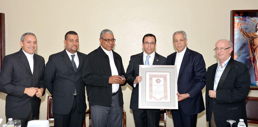 El canciller Andrés Navarro tiene la misión de implementar los cambios que prometió el presidente Danilo Medina, de lograr que el servicio exterior sea productivo./ GABRIEL ALCÁNTARA