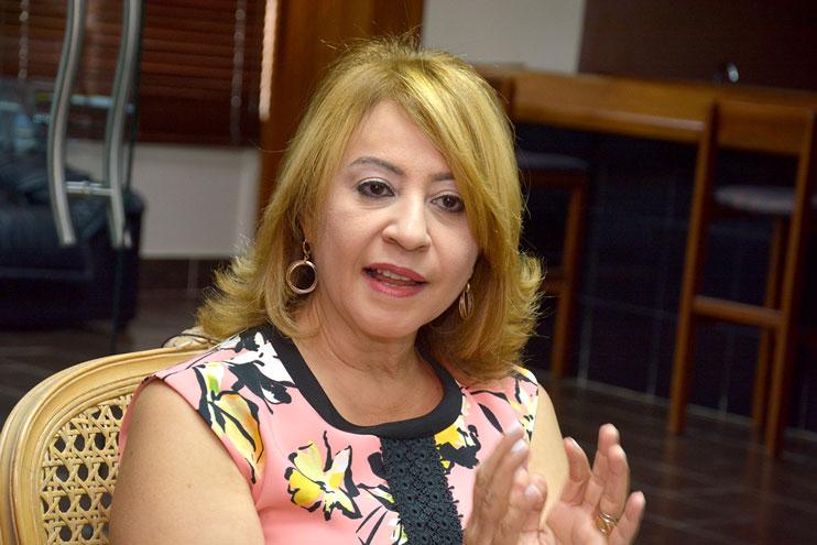 Rosanna Ruiz, presidenta ejecutiva de la ABA, mientras responde a entrevista exclusiva de elDinero. | Lésther Álvarez