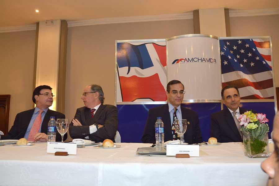 José Luis Cordeiro, ingeniero mecánico del Instituto Tecnológico de Massachusetts, fue el orador invitado al Almuerzo Cámara Americana de Comercio el tema principal fue la energía/LÉSTHER ÁLVAREZ
