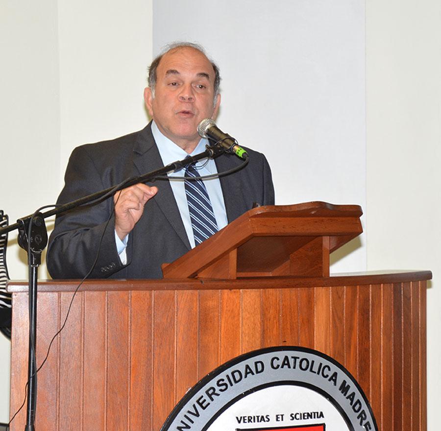 Pelegrin Castillo, ministro de Energía y Minas./ GABRIEL ALCÁNTARA.