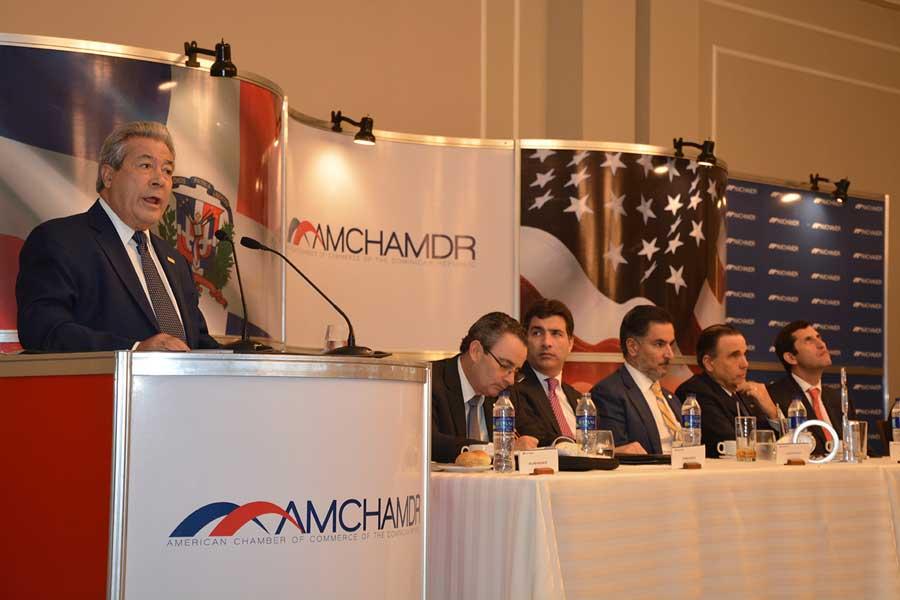 El presidente de la Cámara Americana de Comercio, Rafael Blanco Canto, apoyó el Plan Nacional de Regularización de Extranjero. /Lésther Alvarez