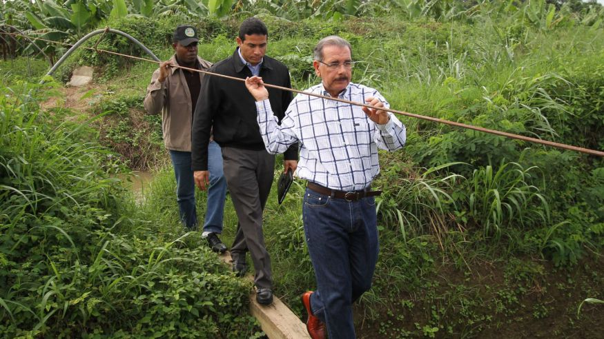 Las visitas sorpresas del presidente Danilo Medina son bien valoradas por la población./elDinero