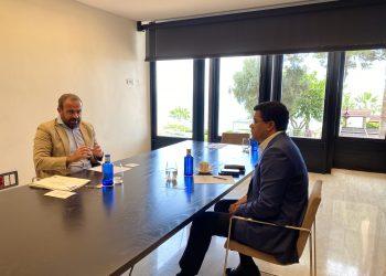 El designado ministro de Turismo, David Collado, junto a Gabriel Escarrer, presidente del Grupo Meliá.