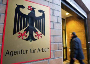 Acceso a la oficina de empleo alemana en Hannover, Alemania. | EFE.