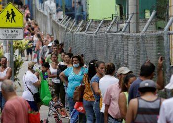 Más de medio millón de personas se encuentran actualmente desempleadas en Costa Rica. | J. Ulate, Reuters.