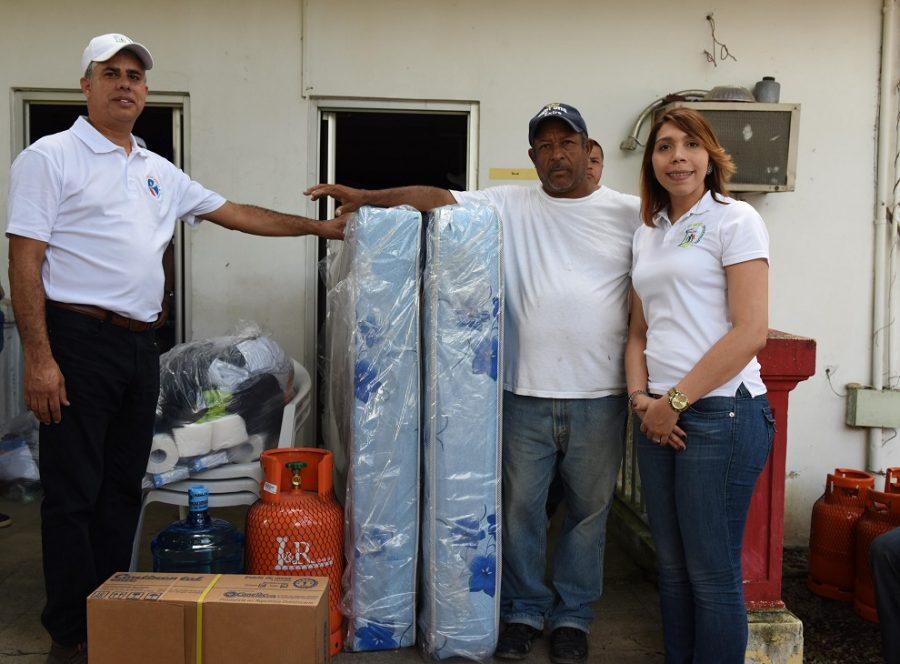 Image result for CEA lleva alimentos a personas afectadas en Puerto Plata
