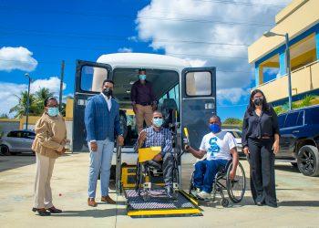 Donacion Autobus Diacapacitados-15
