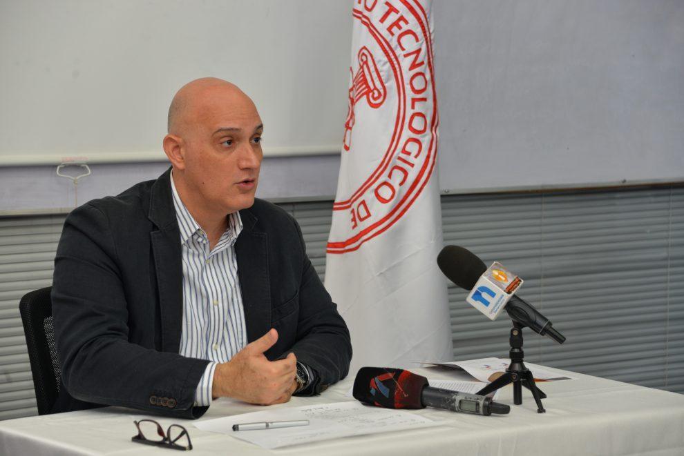 economista pavel isa contreras