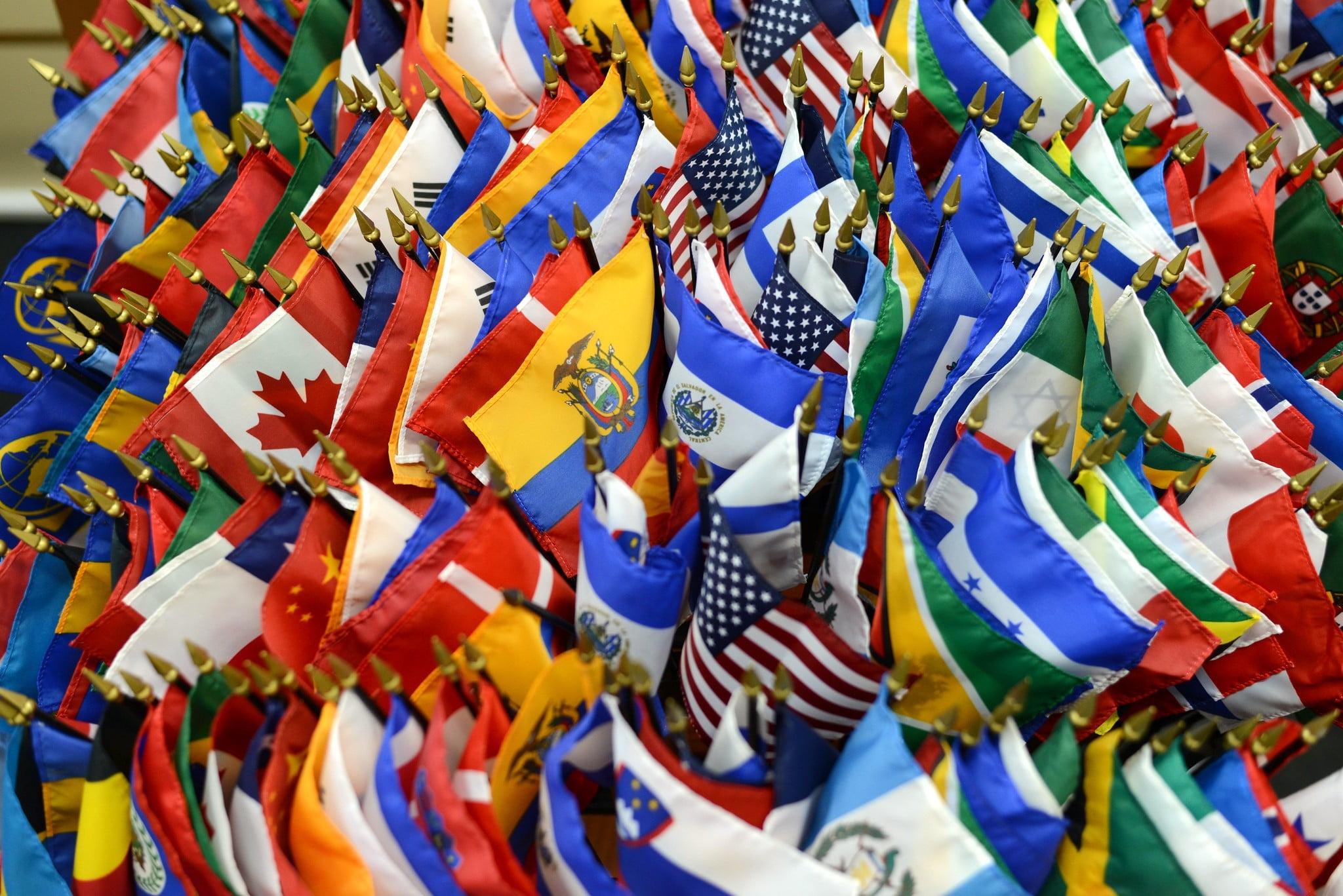 economía latinoamericana, América Latina, banderas