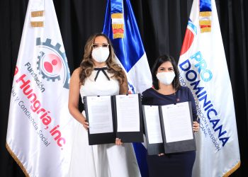 Firma de acuerdo entre Fundación Francina Hungría y ProDominicana.