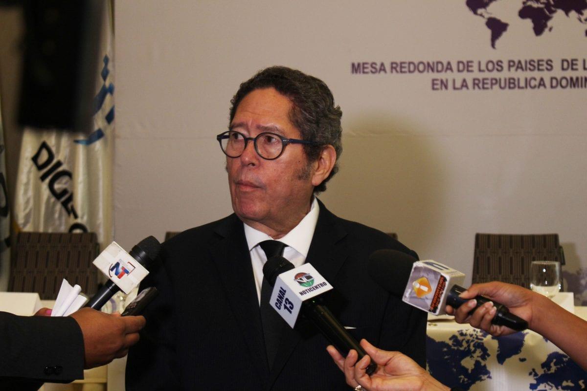 foto 1, fernando gonzález, presidente de la mesa redonda de la mancomunidad