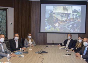El administrador general de Banreservas, Samuel Pereyra Rojas, recibió la visita de ejecutivos del Grupo RCD Hotels, que planea expandir su inversión en República Dominicana con el proyecto Latitud 18 Santo Domingo.