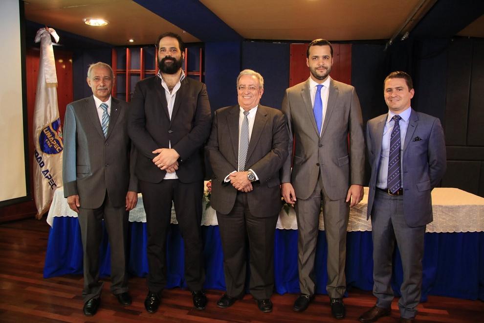 Francisco de Oleo, Juan Vicini, Radhamés Mejía, Rafael Paz y Guillermo Julián.