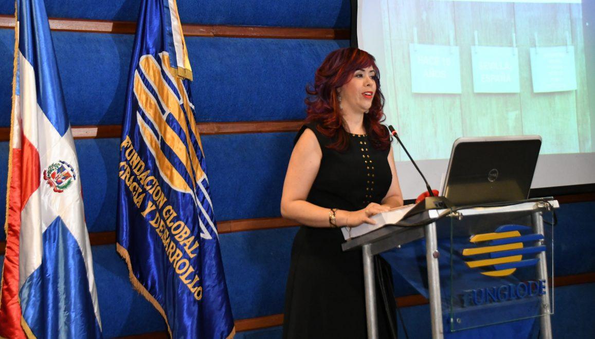 gastrocomunicana elaine hernández, directora de bocatips