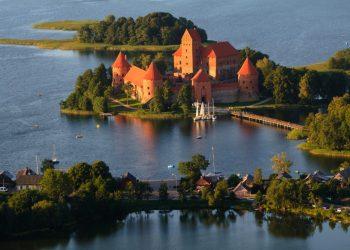 Turismo báltico castillo de Trakai Lituania