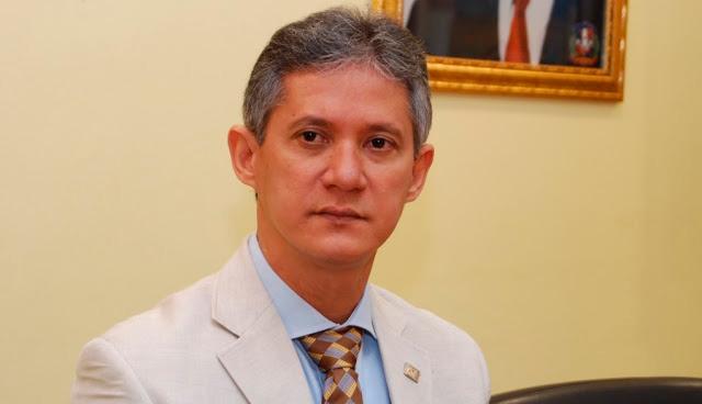 Haivanjoe NG Cortiñas, economista y dirigente peledeísta.