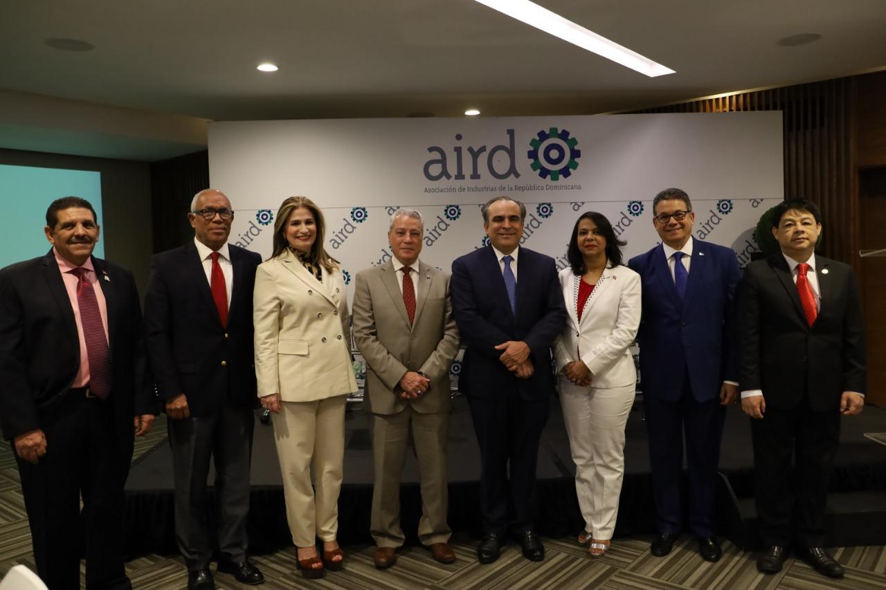 Participantes del desayuno temático, convocado por AIRD.