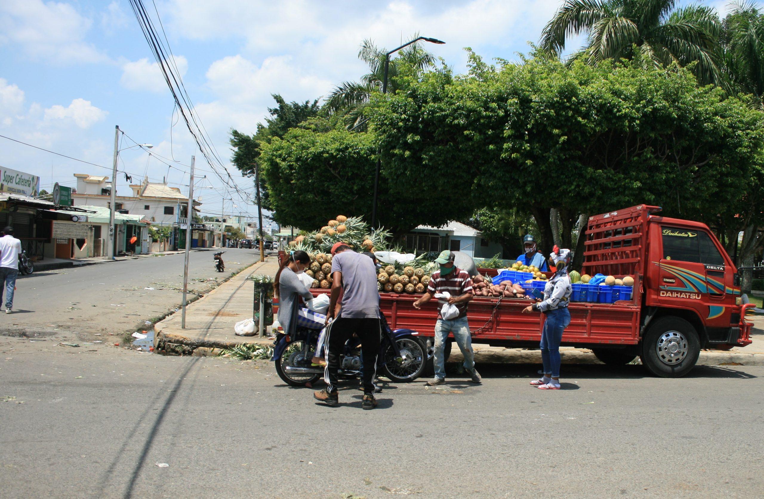 Ayuntamiento SFM prohíbe mercados improvisados