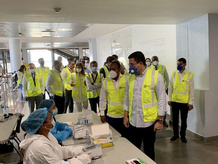 El ministro de Turismo, David Collado y su equipo de trabajo, durante su visita a las instalaciones del AILA–JFPG.