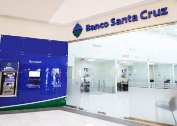 Nuevo centro de negocios de Banco Santa Cruz.