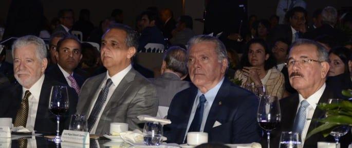 Franklin Báez Brugal, José Ramón Peralta, Roberto Bonetti Guerra y Danilo Medina.