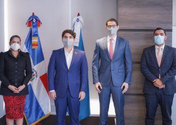 Irlonca Tavárez, Hostos Rizik Lugo, Antonio Camilo Toca y Rodrigo de la Cruz.