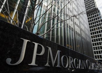 Un signo de JPMorgan Chase & Co bank en su sede en Nueva York. | Lucas Jackson, Reuters via Europa Press.