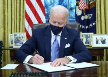 El plan de Biden pretende acelerar el ritmo de vacunación de los estadounidenses. | Tom Brennet, Reuters.