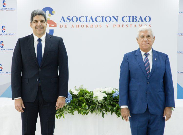 José Luis Ventura, vicepresidente ejecutivo y Rafael Genao, presidente de la junta de directores de ACAP. | Fuente externa.